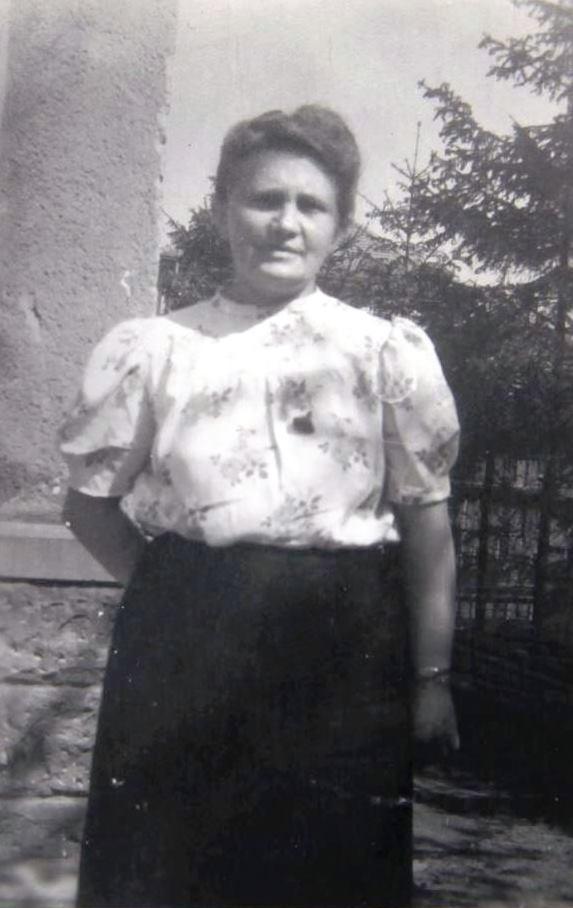 """Elisabeth Karl wird 1943 wegen sog. """"Heimtücke"""" zu ½ Jahr Gefängnis in der Frauenhaftanstalt Frankfurt-Höchst verurteilt, weil sie den Mörfelder Bürgermeister kritisierte.  Aufnahme um 1945"""
